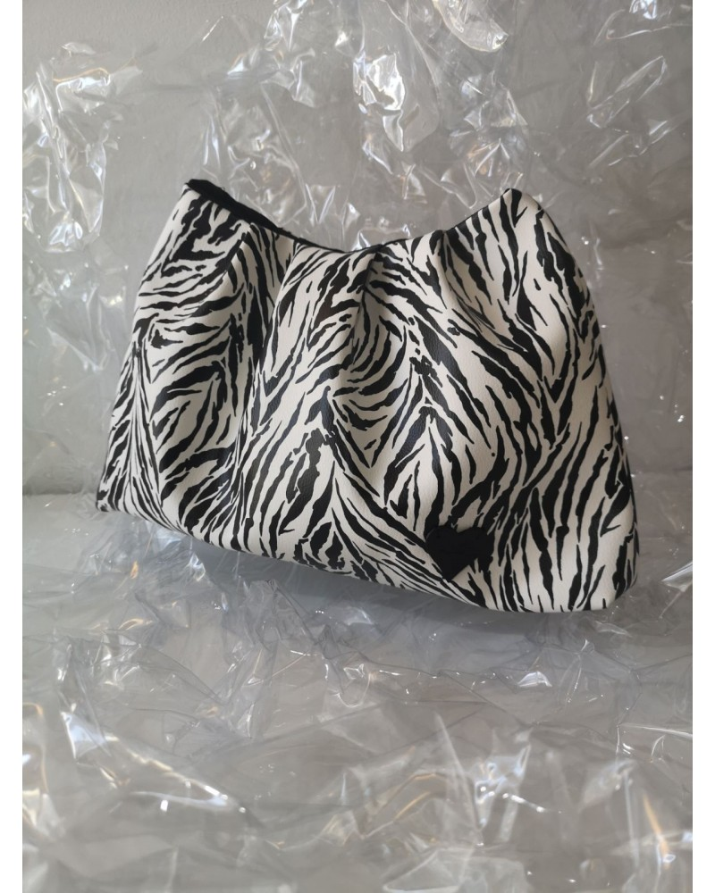 la vita handbags 421S oversized ruched bag (zebra print)